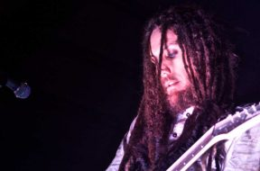 Brian__Head__Welch_Belle_Vernon_PA_15_May_2013.jpg